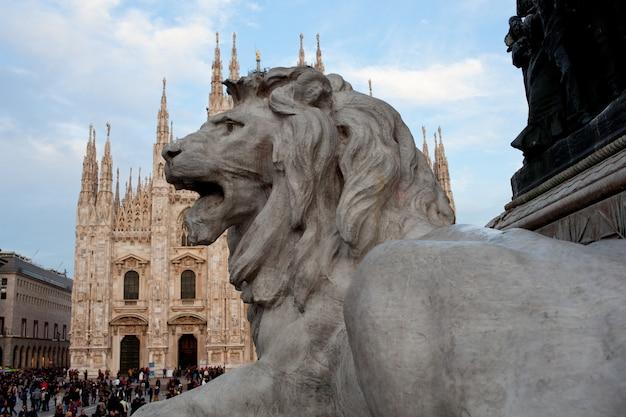 Leão, estátua, milão