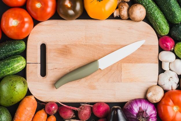 Legumes, ao redor, tábua cortante