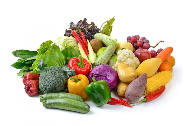 Legumes e frutas em branco