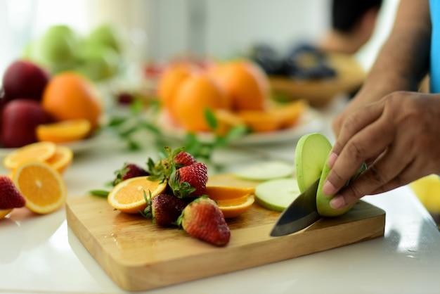Legumes e frutas orgânicas frescas