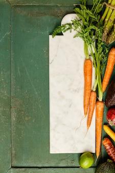Legumes e frutas saudáveis