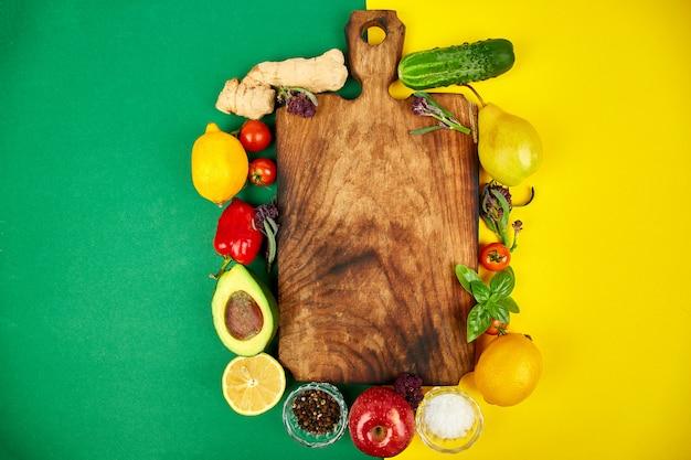 Legumes frescos crus, frutas para cozinhar saudável