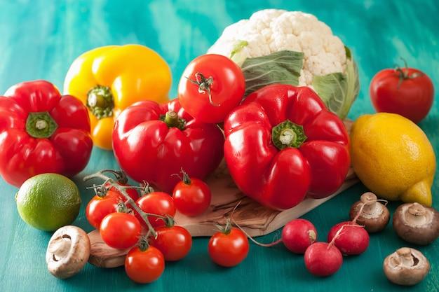 Legumes tomate pimenta cogumelo cebola couve-flor