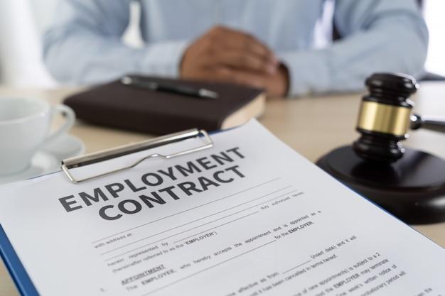 Lei de emprego educação jurídica de emprego