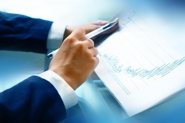 Leia o relatório financeiro