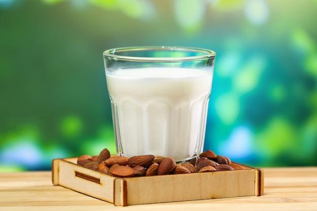 Leite de amêndoa com miolo de amêndoa leite alternativo para vegetarianos