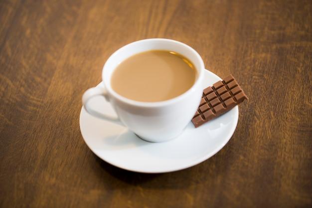 Leite de café e chocolate