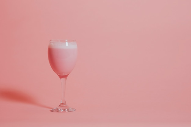 Leite de morango rosa