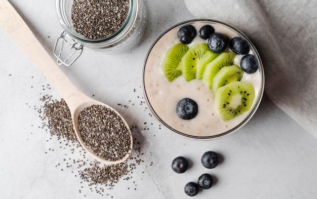 Leite de sementes orgânicas com kiwi e mirtilo