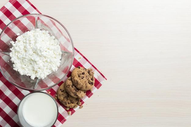 Leite, queijo cottage - fundo de produtos lácteos