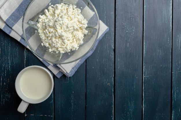 Leite, queijo cottage