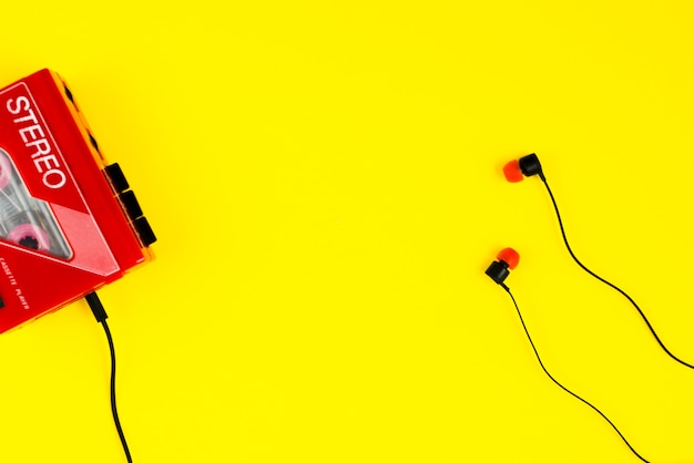 Leitor de cassetes e auriculares