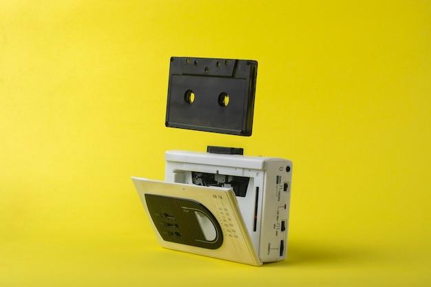 Leitor de cassetes vintage.