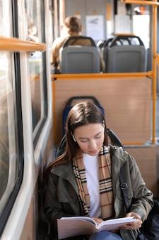 Leitura de passageiros em alta vista