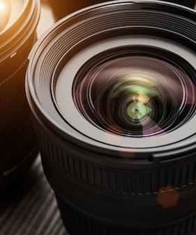 Lentes de câmera intercambiáveis. efeito flare