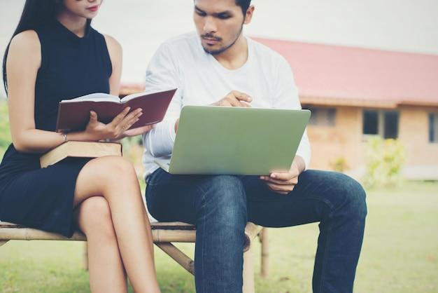 Ler aprender educação conhecimento asiático