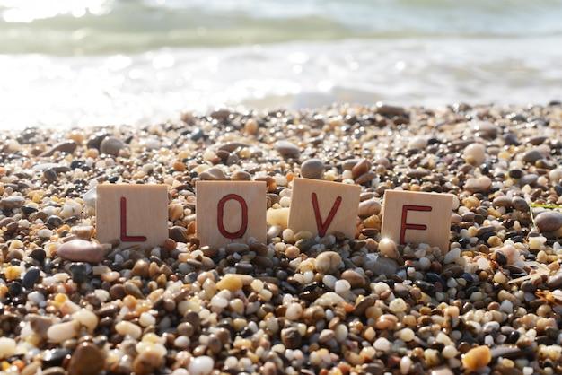 Letras amor ao litoral no verão