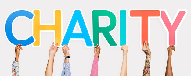 Letras coloridas, formando a palavra caridade