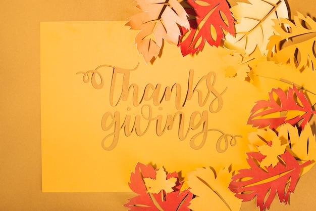 Letras de ação de graças com folhas