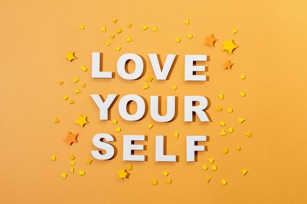 Letras de amor próprio em estilo de papel