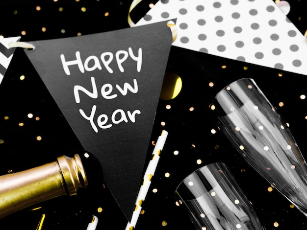 Letras de ano novo em guirlandas