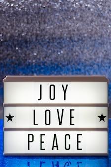 Letras de paz amor alegria com espaço de cópia
