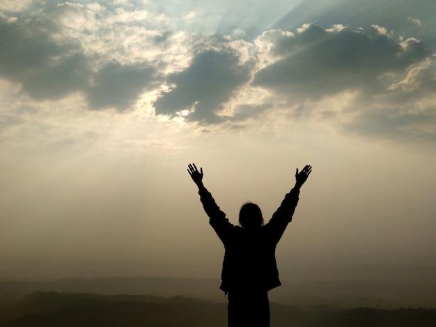Liberte toda a dor e sinta-se livre na natureza