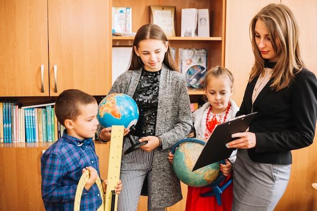 Lição de geografia na escola