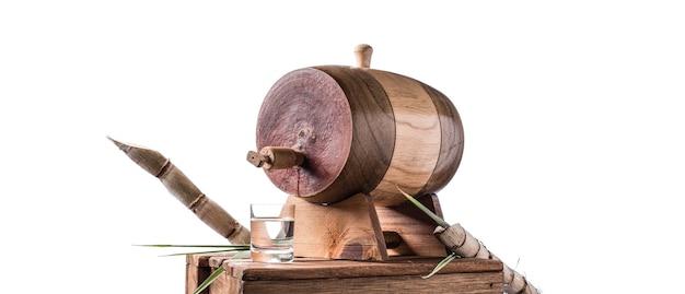 Licor de cana (tradicional cachaça brasileira). bebida alcoólica de cana-de-açúcar