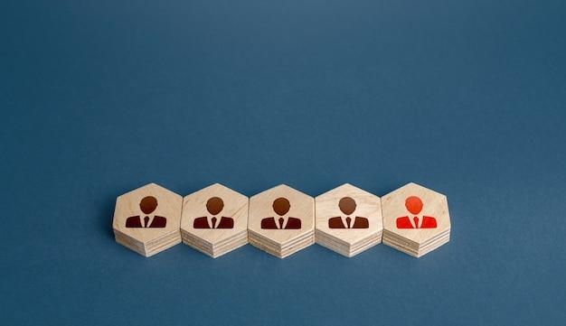 Líder à frente da equipe gestão eficaz de pessoal de negócios equipes de tamanho ideal