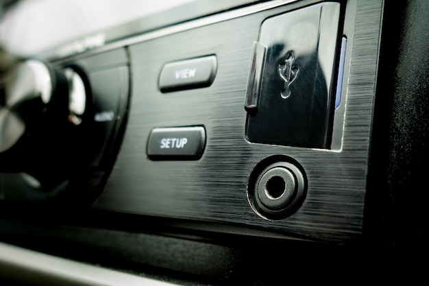 Ligação externa de áudio para automóvel usb e aux