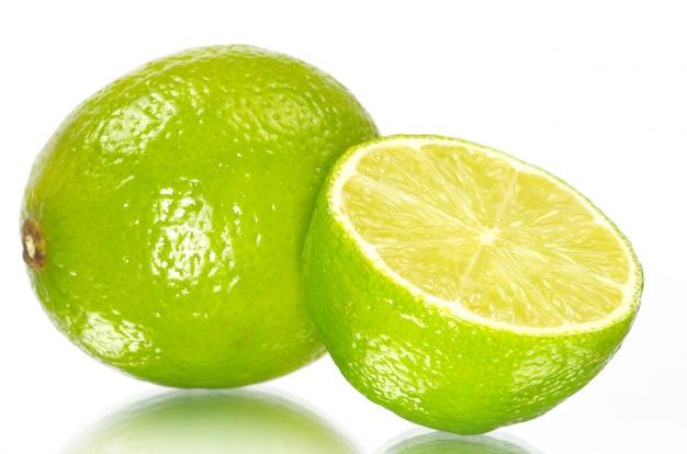 Limão branco isolado