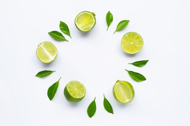 Limão com folhas