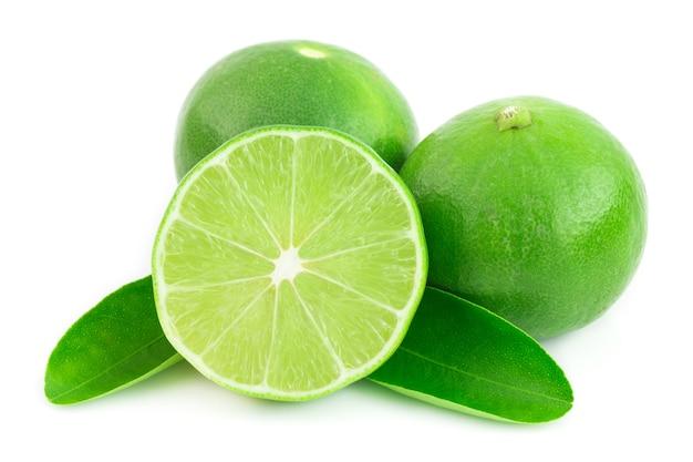 Limão fresco isolado