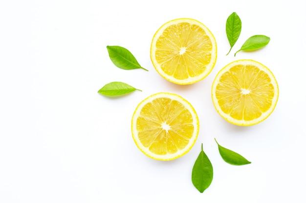 Limão fresco.