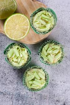 Limão gourmet brigadeiro. doce típico brasileiro. vista do topo