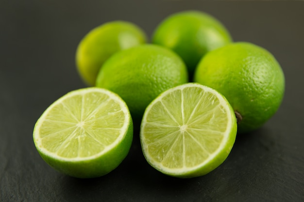 Limes no escuro