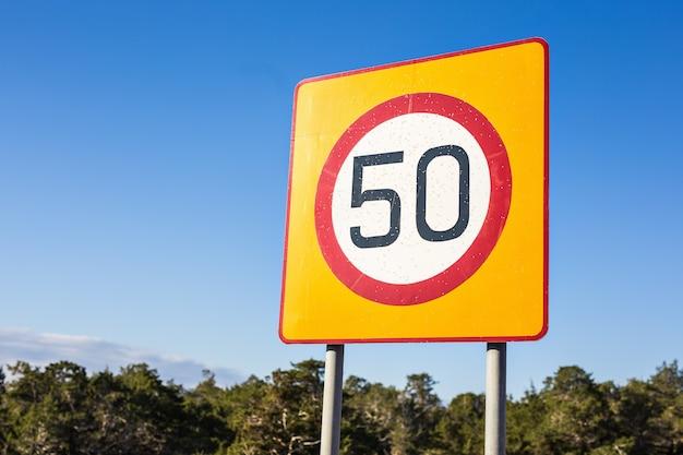 Limite de velocidade do sinal de trânsito para 50, sinal de trânsito