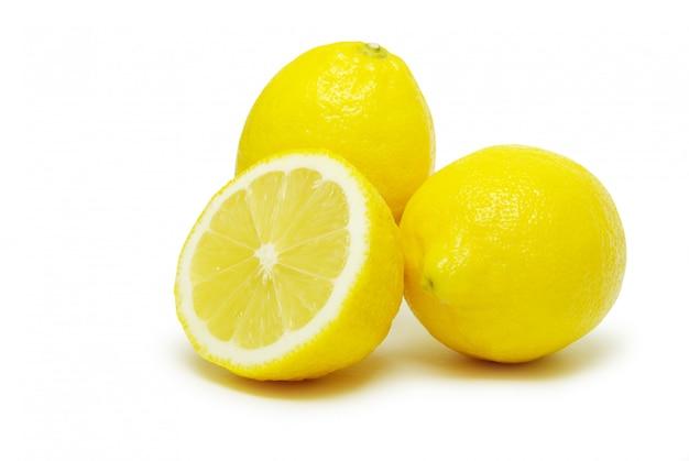 Limões em branco isolado
