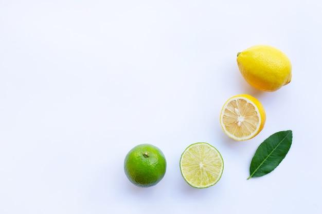 Limões maduros e limão