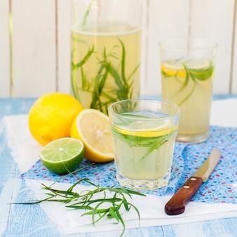 Limonada de estragão