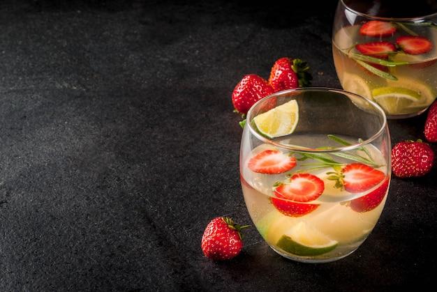 Limonada de morango e alecrim