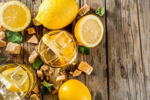 Limonada ou chá gelado de verão