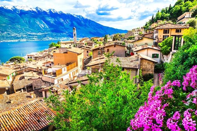 Limone, bela cidade em lago di garda, itália ao norte