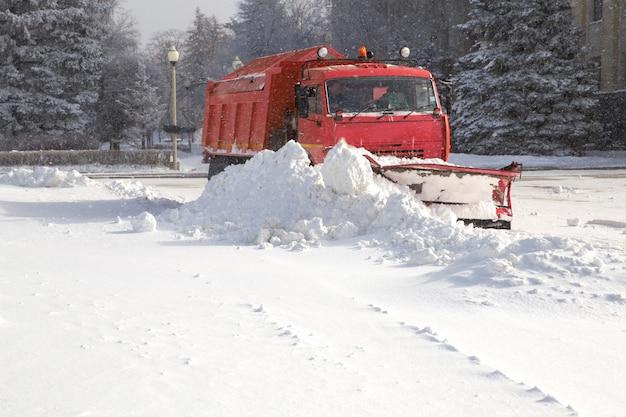 Limpa-neve no trabalho
