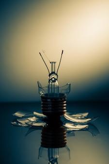 Limpar a lâmpada quebrada