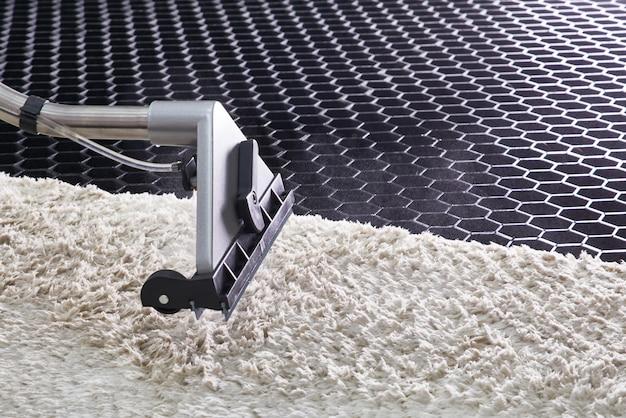 Limpeza química de carpetes com método de extração profissional