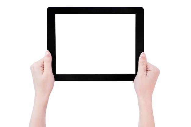 Linda adolescente segurando um modelo de tablet pc preto com tela branca isolada no fundo branco, close-up, simulação, traçado de recorte, corte