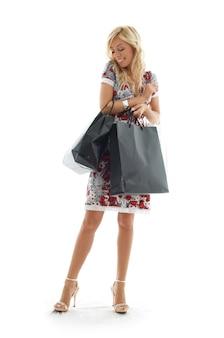 Linda beleza com sacolas de compras
