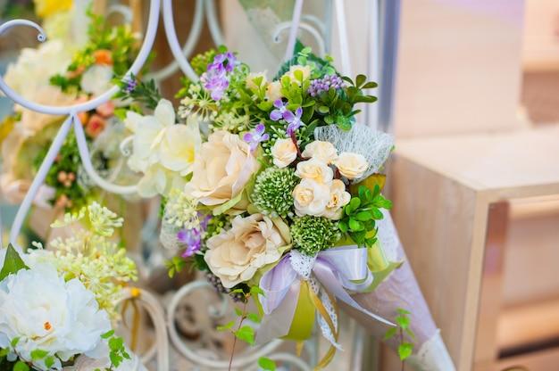 Linda decoração de flores para o casamento